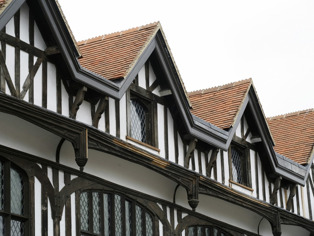 tudor housePhoto 13 - Gables